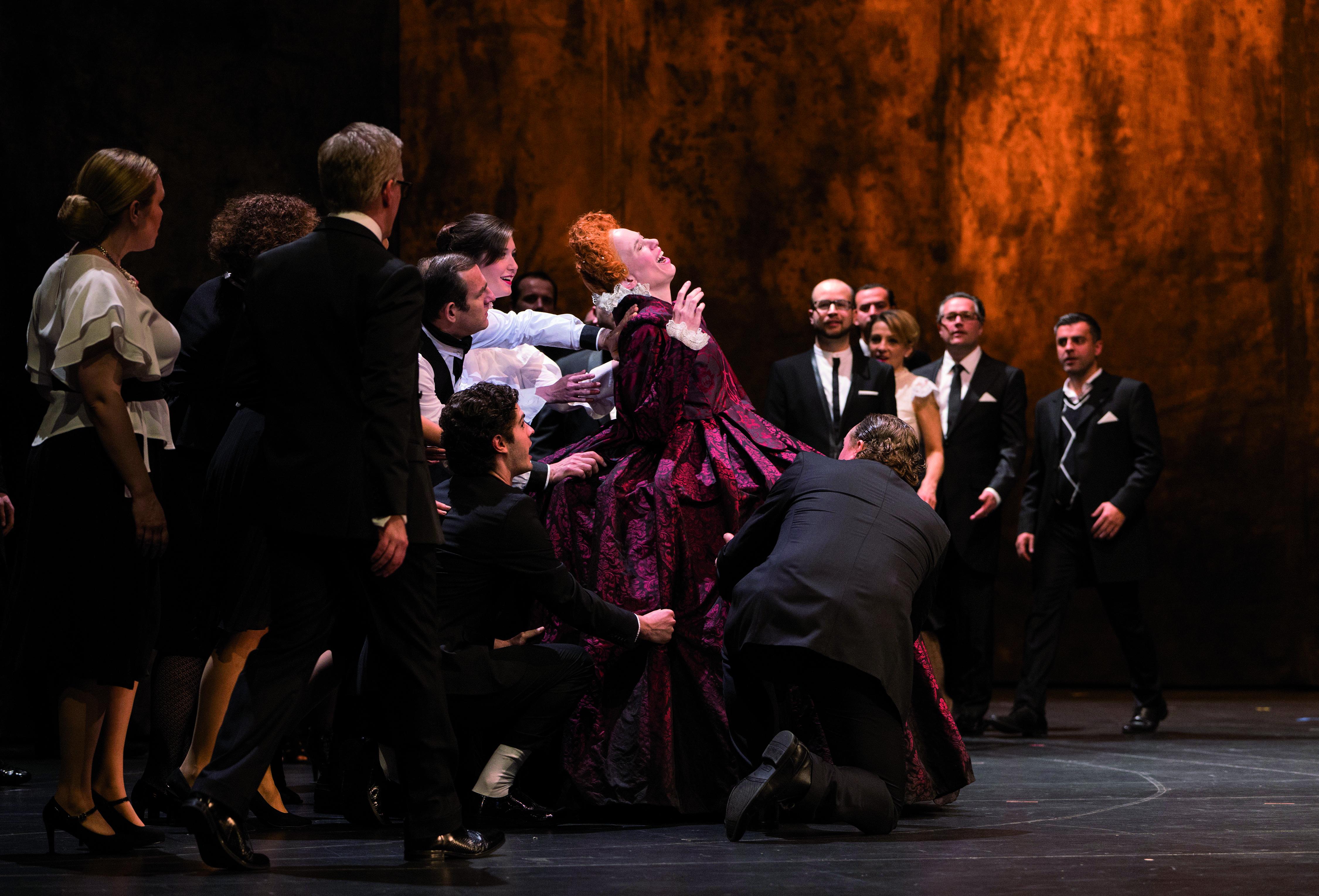 Elisabetta mit Arnold Schoenberg Chor